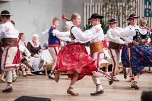 GÓRALE ŁĄCCY - Regionalny Zespół Pieśni i Tańca z Łącka podczas 49.FFGP w Żywcu. TKB 2018, Foto: Waldemar Kompała/kocurzonka.pl (Plik .JPG)
