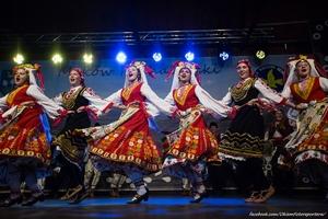 Zespół MEZDRA ze Sliwen (Bułgaria) na estradzie w Makowie Podhalańskim. TKB 2018, Foto: Daniel Franek/Okiem Fotoreportera (Plik .JPG)